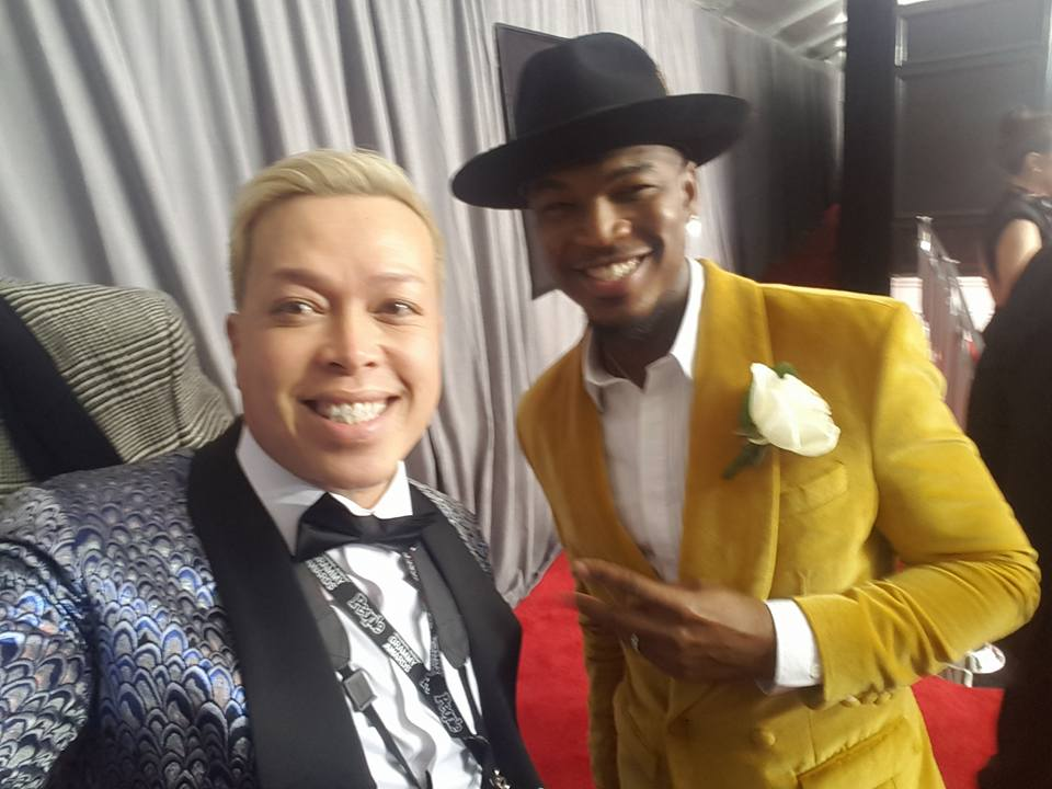 grammys red carpet tu bloom with Ne-Yo