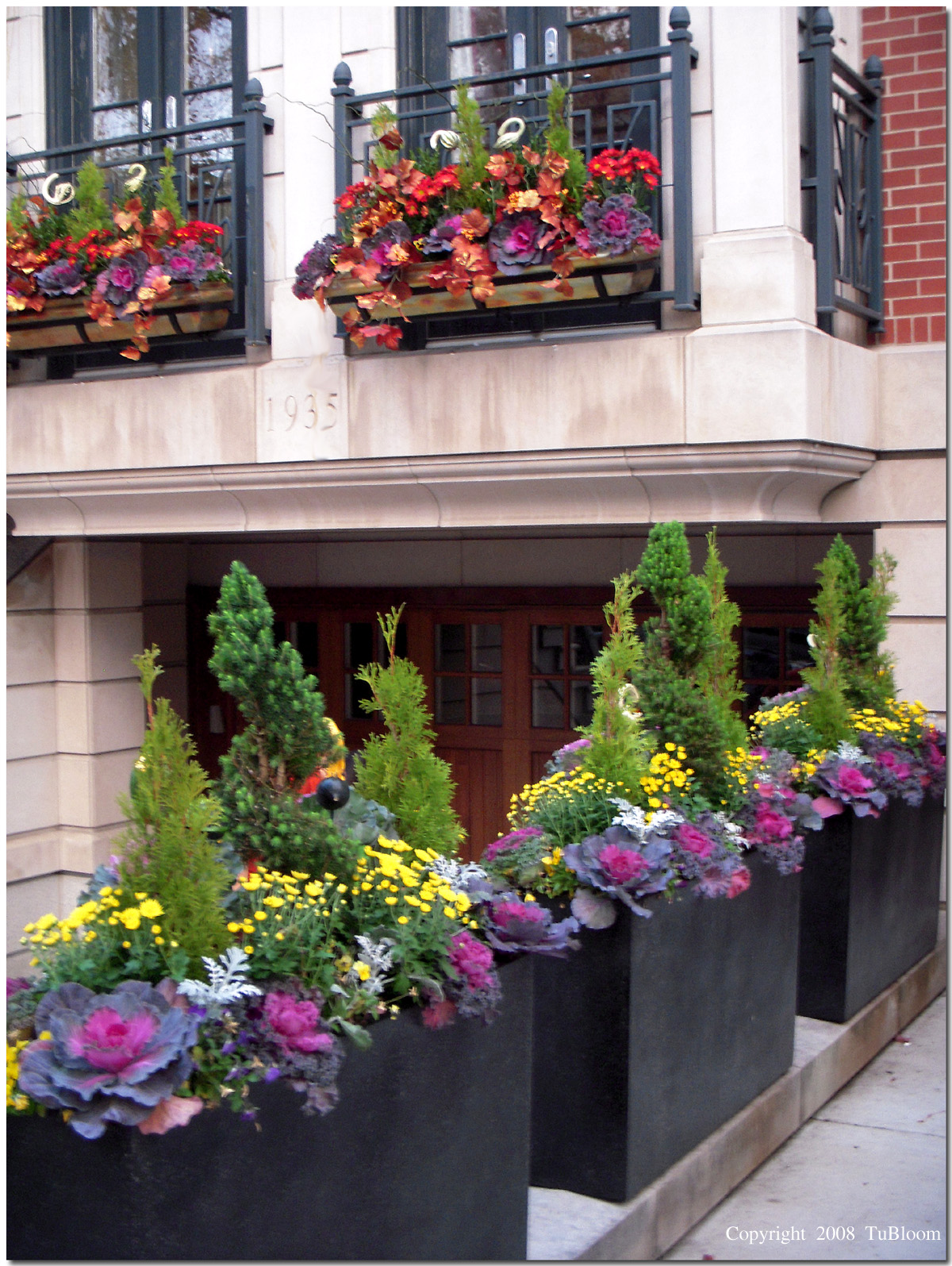 beautiful fall luxury container combinations by tu bloom pave the way throughout some of the most notable streets of chicago, hollywood, malibu, and manhattan