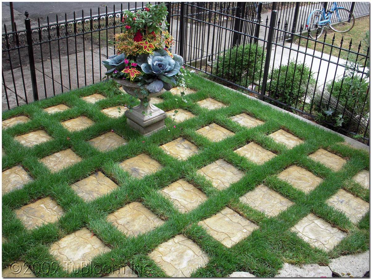 Delightful English Grid Garden Landscape Designs By Tubloom